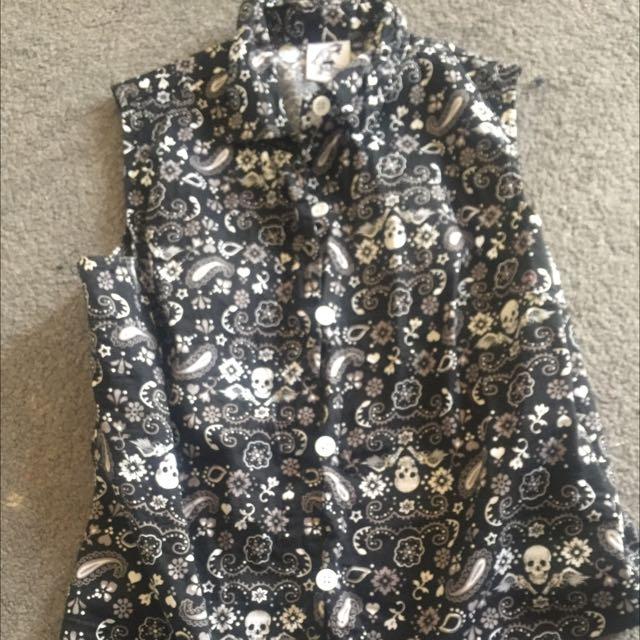 Skull Rockabilly Sleeveless Button Shirt Medium Hell Bunny Vixen