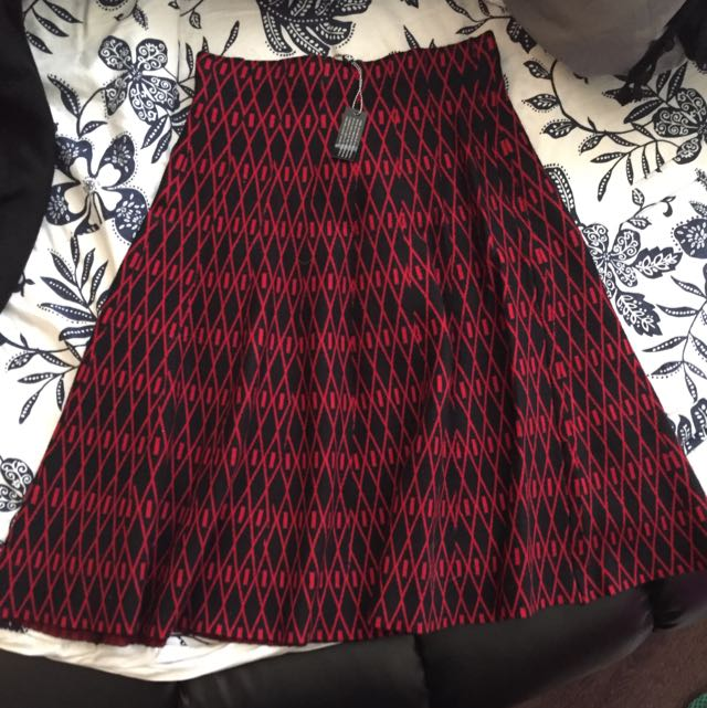 Sweater Material Flowy Skirt !