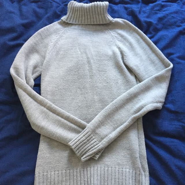Thrifted Turtle Neck Knit