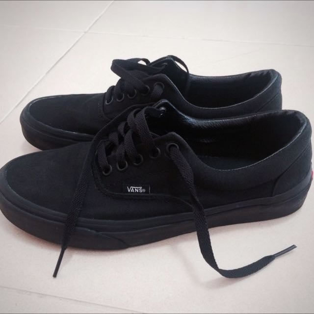 ffd510950968 Authentic Vans Era All Black on Carousell
