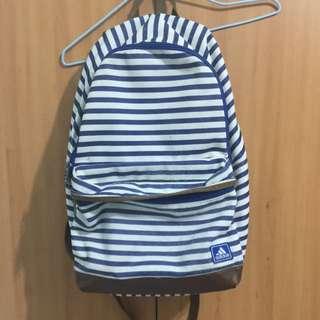Adidas藍白條紋後背包