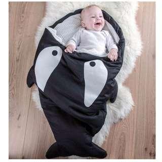 (現)【可愛鯊魚造型寶寶防踢被】