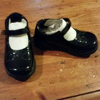 Kid's Patent Leather Heart Shoes