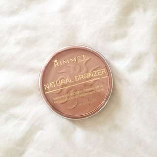 Rimmel London Natural Bronzer Sunlight 02