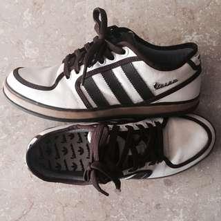 LIMITED EDITION: Adidas & Vespa