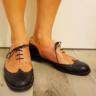 Oxford Shoes Size 39