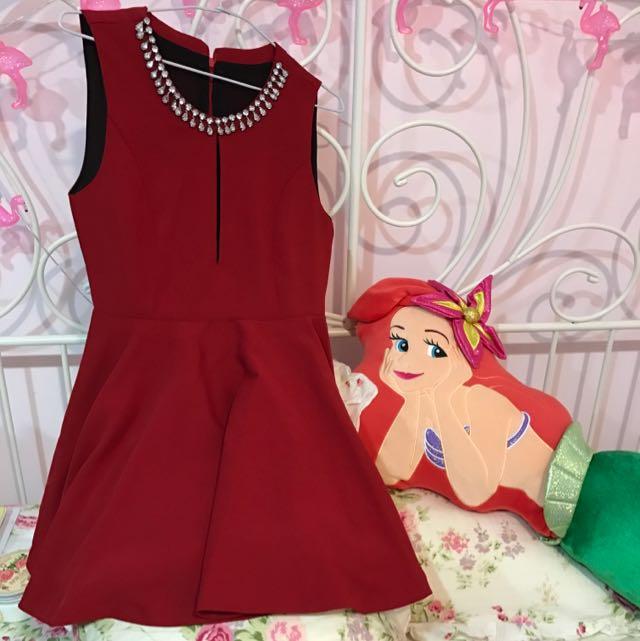 無袖大紅洋裝
