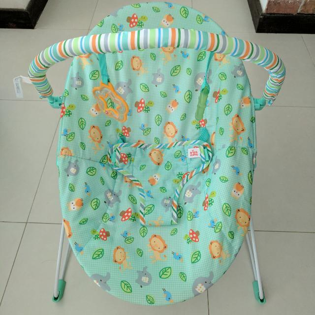 52b11db80162 Bright Starts Jolly Safari Vibrating Bouncer