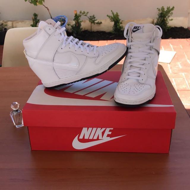Dunk Sky High White Nikes