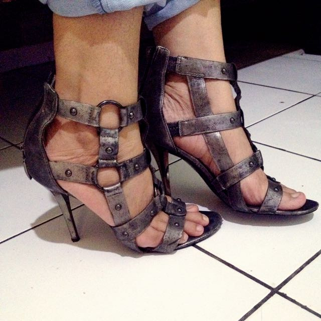 Guess heels gladiator (Authentic)