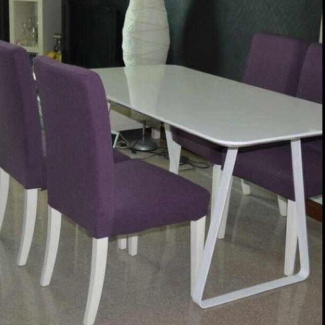 Pearl White Dining Table In Singapore Well Maintained Round Good Size Of 1 2m Diameter Get Great Deals On Tables