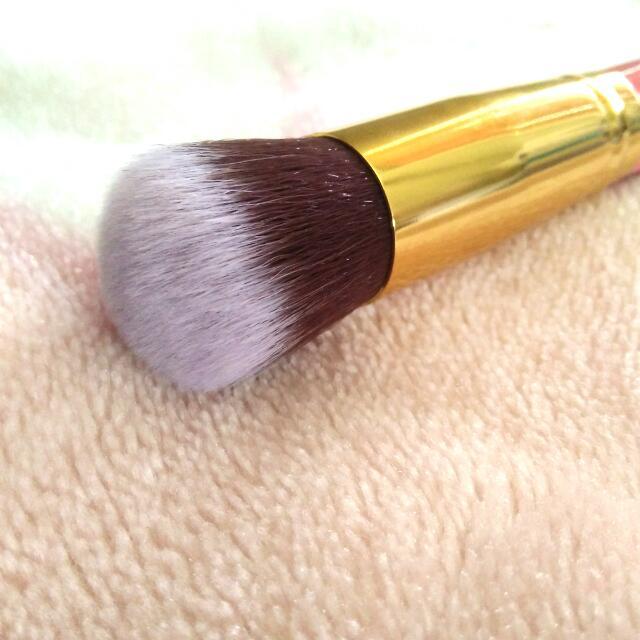 Pink And Gold #1 Make Up Brush