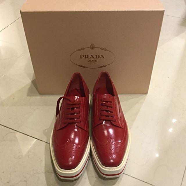 PRADA 紅色厚底牛津鞋