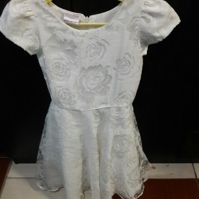 Preloved Dress For Kids 8-10 Years Old    Once Lang Nagamit Nung 1st Communion Ng Daughter Ko