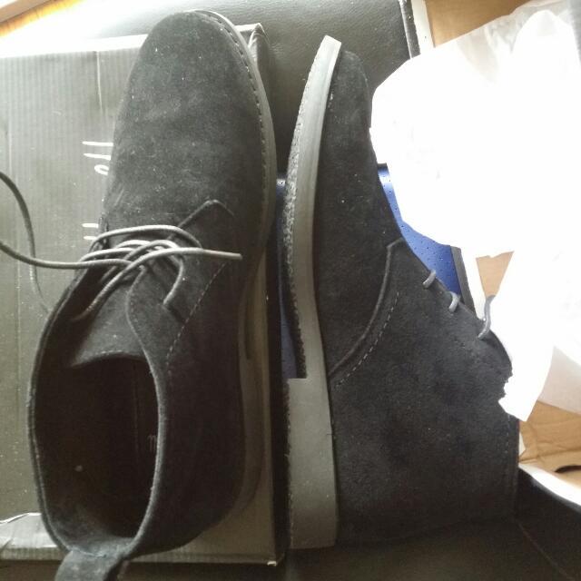 US Size 10 Dress Shoes.