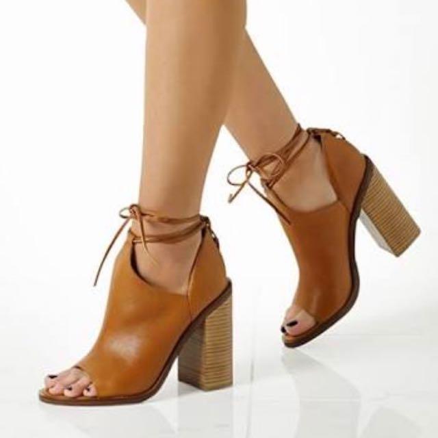 Windsor smith Tan Tiara Heels