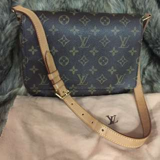 Louis Vuitton Mussete Tango Short Strap