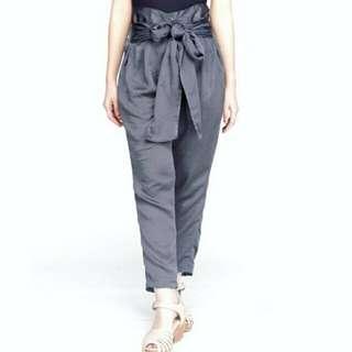 celana grey