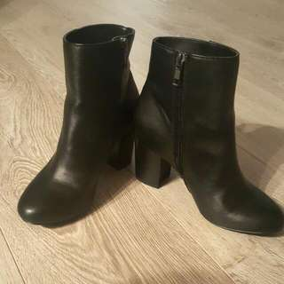 Black Jessica Booties, size 6