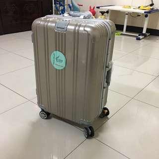 香檳金24吋行李箱
