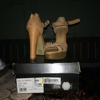 Charles and Keith, size 5