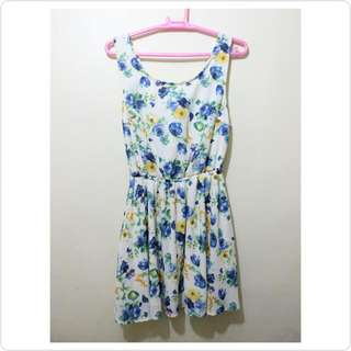 Backless Floral Dress (From HK)