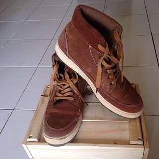 High Cut Leather Shoe