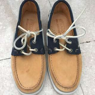 sebago boat shoes