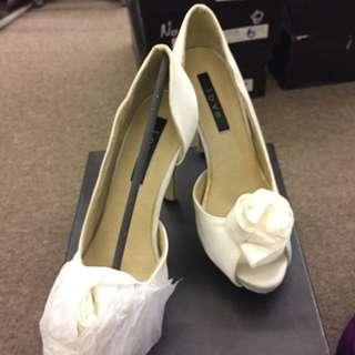全新晚裝鞋全部要哂$1000