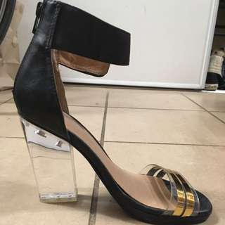 Jeffrey Campbell Clear Heel Size 7
