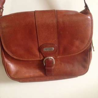 Vintage Tan Leather Shoulder Handbag