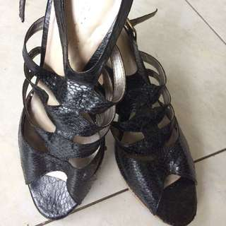 Gaudi Heels