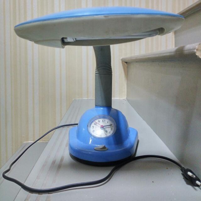 Desk Lamp (Lampu Belajar)