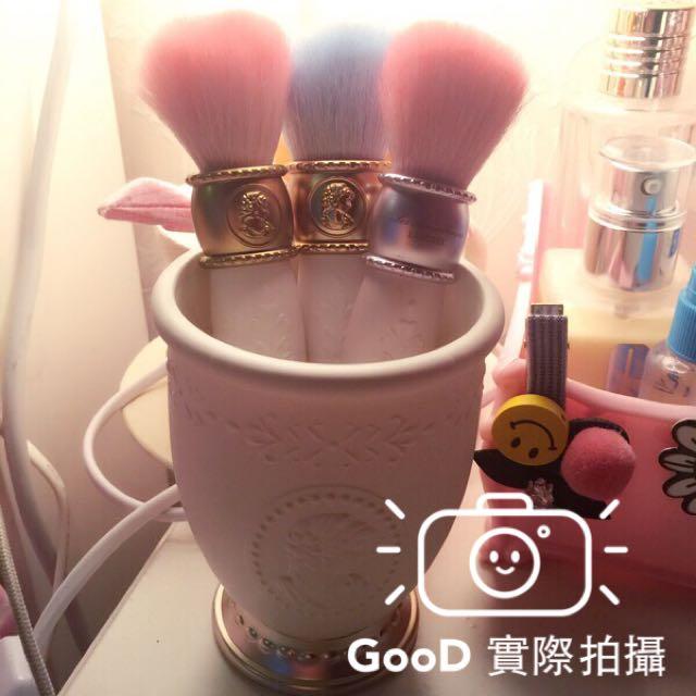 【GOOD】現貨日本 laduree 復古法式風情 化妝桶 刷筒筆筒 貴族浮雕像女王頭