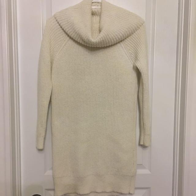 Hollister Turtle Neck Sweater