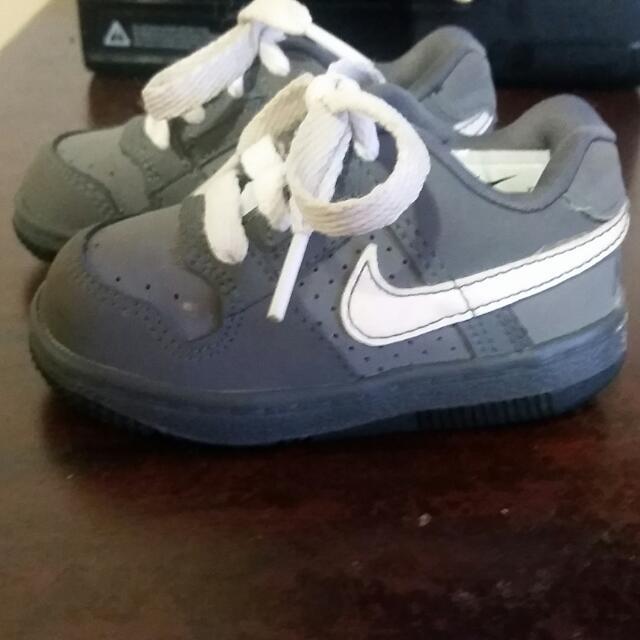 Kids Nike Size 5