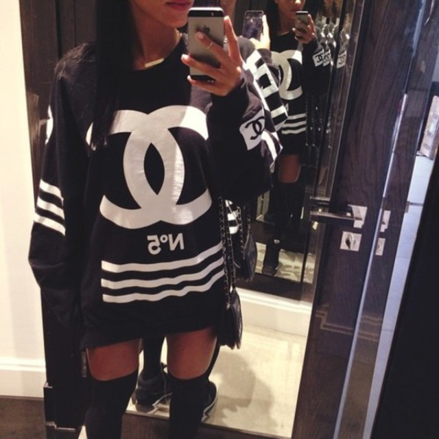 No 5 Chanel Femme Side Zip Crewneck Sweater [CHRISTMAS SPECIAL]