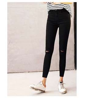 🙋🏻💖Super Slimming Breathable Knee Slit Jeans - Korean Quality! HIGHLY RECOMMENDED!