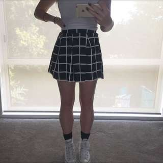 NEGOTIATEBLACK AND WHITE SKIRT