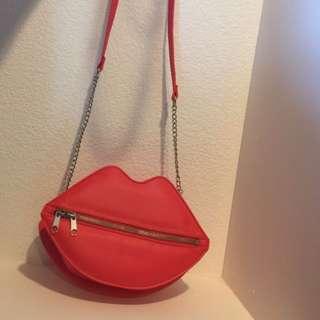H&M red lip bag