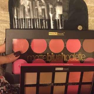 Blush, Contour And Brush Gift Set