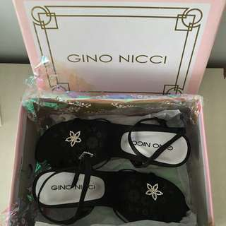 NEW IN BOX - Gino Nicci Black Formal Prom Cocktail Debutante Straps Low Mid Heels Shoes Heel Diamonds Diamonte Floral Flower Buckle Girl Female School Spring Summer Cocktail Party Size 6