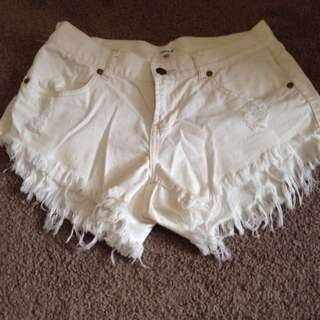 Size 8 White Denim Valley Girl Shorts