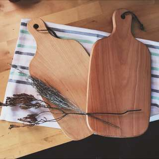 <PO> BN Wooden chopping board with leather string / wood cutting board / serving board