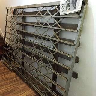 Retro Scissors Iron Metal Gate