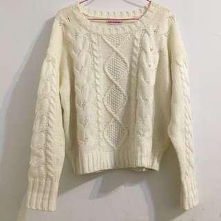 (保留)白色麻花針織毛衣