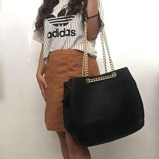 FREE SHIPPING Stylish Black Handbag With Gold Detailing