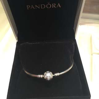 New Never Used Sterling Silver Pandora Bracelet With Snowflake Bead