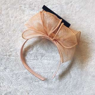 Headpiece Peach Colour