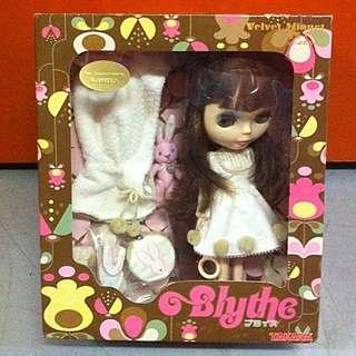 Blythe (大B),約12吋高
